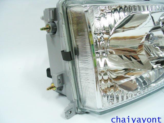 ไฟหน้าขวาทั้งดวง แบบใส ไฟหน้าเพชร OEM Ssanyong Mercedes-Benz MB100 MB140 3