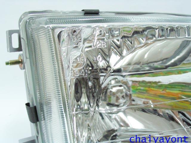ไฟหน้าขวาทั้งดวง แบบใส ไฟหน้าเพชร OEM Ssanyong Mercedes-Benz MB100 MB140 4