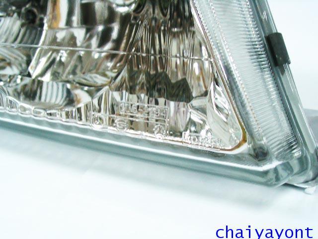 ไฟหน้าขวาทั้งดวง แบบใส ไฟหน้าเพชร OEM Ssanyong Mercedes-Benz MB100 MB140 5