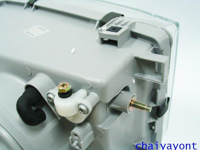 ไฟหน้าขวาทั้งดวง แบบใส ไฟหน้าเพชร OEM Ssanyong Mercedes-Benz MB100 MB140 16
