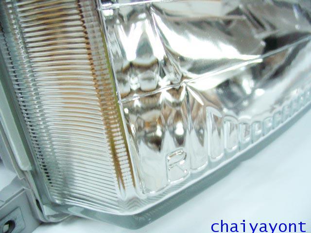 ไฟหน้าขวาทั้งดวง แบบใส ไฟหน้าเพชร OEM Ssanyong Mercedes-Benz MB100 MB140 18