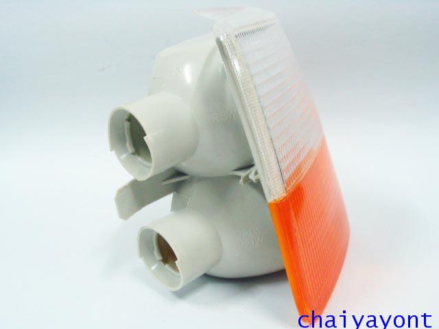 ไฟเลี้ยวสีขาว-ส้มด้านขวา Bosch วอลโว่ Volvo 940 7