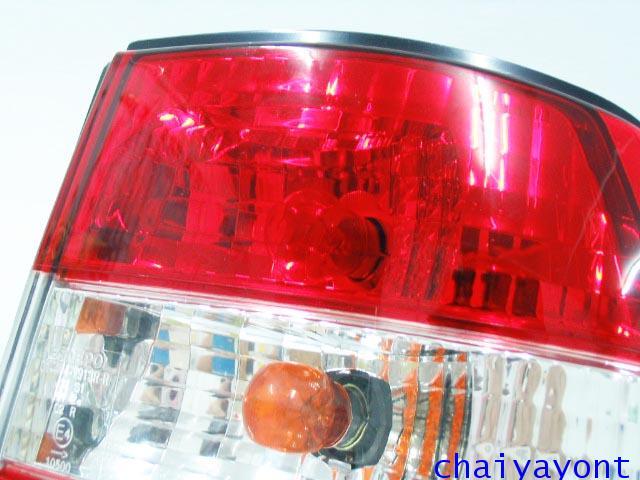 ชุดแต่งไฟท้ายเพชร คริสตัลใส ขาว-แดง ด้านขวา รถบีเอ็มดับบลิว BMW E34 518i 520i 525i 530i M43 M50 1