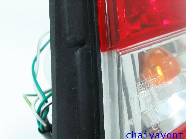 ชุดแต่งไฟท้ายเพชร คริสตัลใส ขาว-แดง ด้านขวา รถบีเอ็มดับบลิว BMW E34 518i 520i 525i 530i M43 M50 9