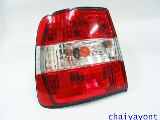 ชุดแต่งไฟท้ายเพชร คริสตัลใส ขาว-แดง ด้านซ้าย รถบีเอ็มดับบลิว BMW E34 518i 520i 525i 530i M43 M50 7