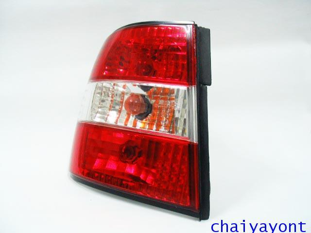 ชุดแต่งไฟท้ายเพชร คริสตัลใส ขาว-แดง ด้านซ้าย รถบีเอ็มดับบลิว BMW E34 518i 520i 525i 530i M43 M50 12