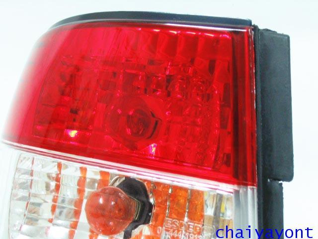 ชุดแต่งไฟท้ายเพชร คริสตัลใส ขาว-แดง ด้านซ้าย รถบีเอ็มดับบลิว BMW E34 518i 520i 525i 530i M43 M50 15