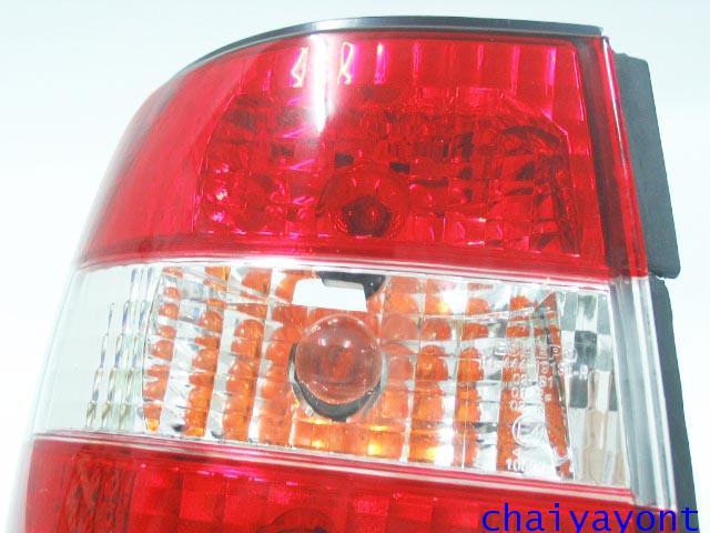 ชุดแต่งไฟท้ายเพชร คริสตัลใส ขาว-แดง ด้านซ้าย รถบีเอ็มดับบลิว BMW E34 518i 520i 525i 530i M43 M50 20