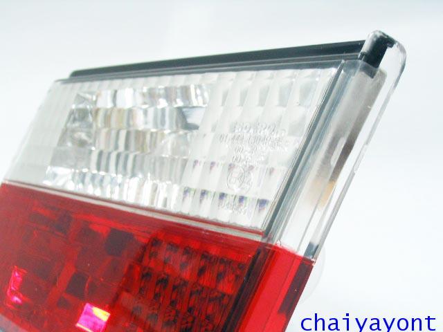 ชุดแต่งทับทิมไฟท้ายเพชร คริสตัล ขาว-แดง ด้านขวา รถบีเอ็มดับบลิว BMW E34 518i 520i 525i 530i M43 M50 8