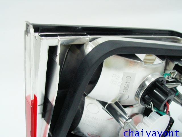 ชุดแต่งทับทิมไฟท้ายเพชร คริสตัล ขาว-แดง ด้านขวา รถบีเอ็มดับบลิว BMW E34 518i 520i 525i 530i M43 M50 16