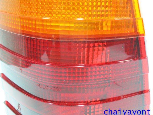 เลนส์ / ฝา ไฟท้ายด้านขวา ULO รถเบนซ์แวน คลาสสิค Mercedes-Benz W123 230TD 240TD 300TD  230TE 300TE 12