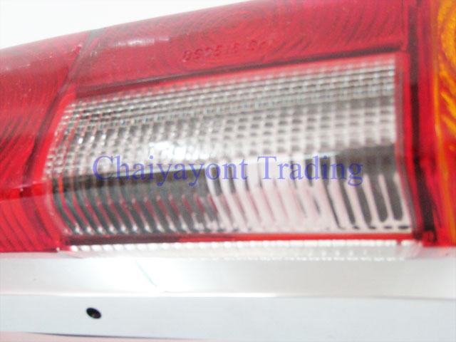 ไฟท้ายด้านขวารถเบนซ์หางปลา คลาสสิคโบราณ Classic Vintage Fintail Mercedes-Benz W111 200C 200SE 220S 4
