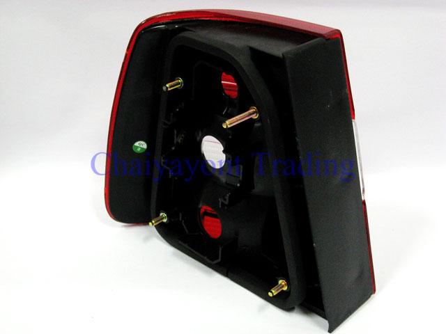 กระจังหน้าสปอร์ตสีดำรถเบนซ์ W204 รุ่น 4 ประตู  Avantgarde C200 C220 C320 C180 C230 C250 C320 CDI 2