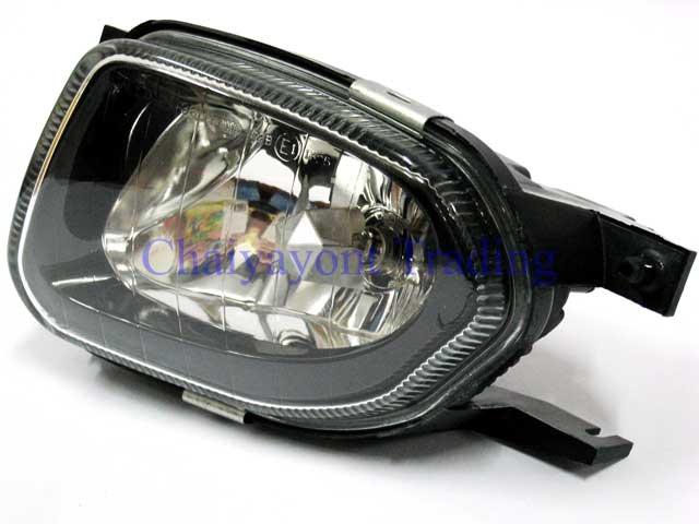 ไฟตัดหมอกด้านซ้าย รถเบนซ์เมอร์ซิเดส LH Mercedes-Benz W211 E200 E220 E240 E320 CDI Kompressor ปี 2000