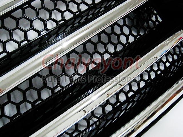ประดับยนต์ชุดแต่งรถกระจังหน้าสปอร์ตสีดำรถเบนซ์ W204 รุ่น 4 ประตู Avantgarde C200 C220 C320 C180 C230 3