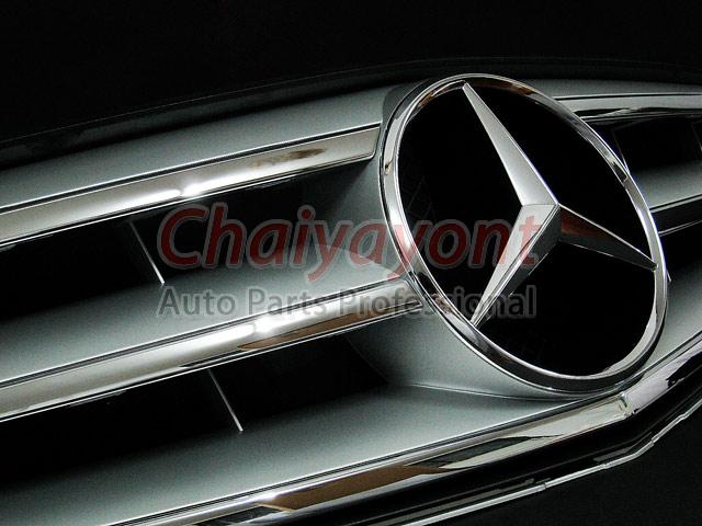ประดับยนต์ชุดแต่งรถกระจังหน้าสปอร์ตสีเทารถเบนซ์ W204 รุ่น Avantgarde C200 C220 C320 C180 C230 8