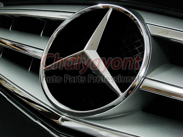 ประดับยนต์ชุดแต่งรถกระจังหน้าสปอร์ตสีเทารถเบนซ์ W204 รุ่น Avantgarde C200 C220 C320 C180 C230 15
