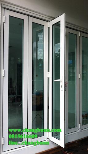 ประตูบานเฟี้ยมรุ่นกลาง