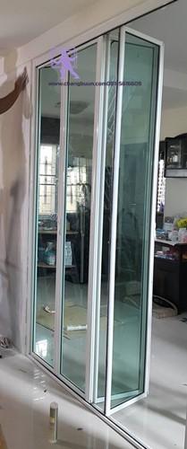 ประตูกระจกอลูมิเนียม