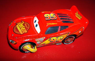 Disney Pixar Cars IMPOUND LIGHTNING McQUEEN 95 with Tire Boot (LOOSE)