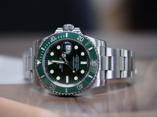 Rolex 116610LV Submariner Green