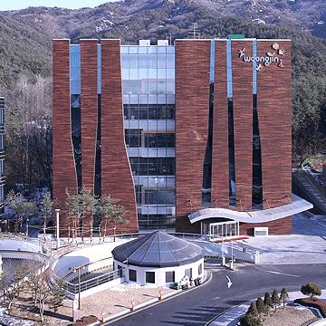ประวัติบริษัท วงจิน โคเวย์, โรงงานผลิต และสถาบันวิจัย