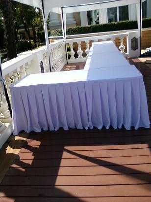 ให้เช่าโต๊ะ ให้เช่าแบบคลุมผ้า ติดสเกิร์ต 24