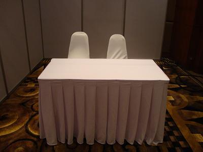ให้เช่าโต๊ะ ให้เช่าแบบคลุมผ้า ติดสเกิร์ต 17
