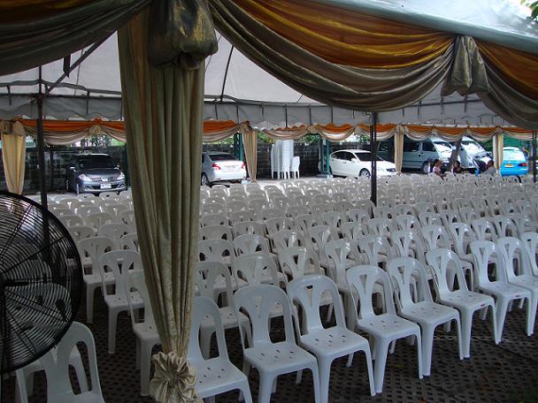 เช่าเก้าอี้ พลาสติกสีขาว คลุมผ้า - ไม่คลุมผ้า ให้เช่าเก้าอี้พลาสติก 11