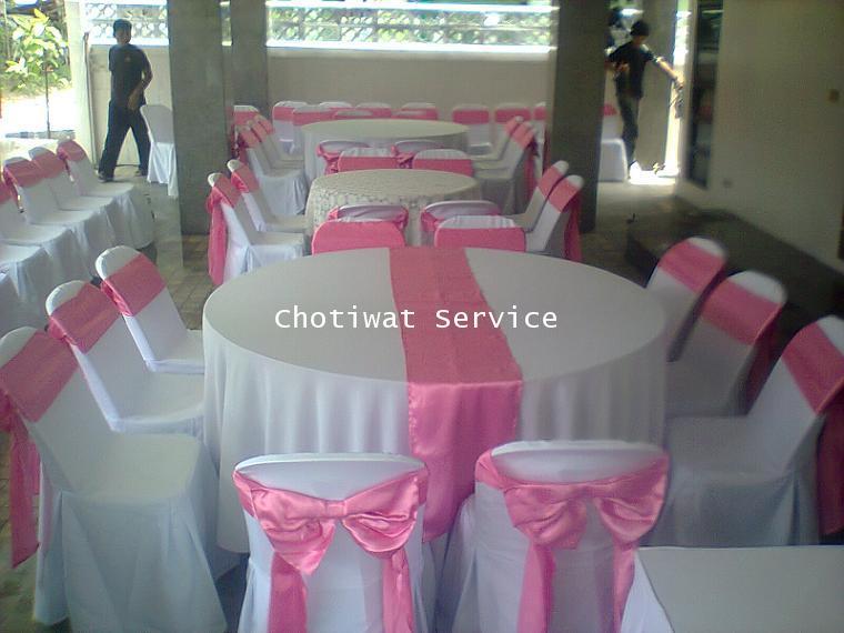 ให้เช่าโต๊ะจีนเช่าโต๊ะจีน เก้าอี้พลาสติกคลุมผ้า ผูกโบว์สีชมพู