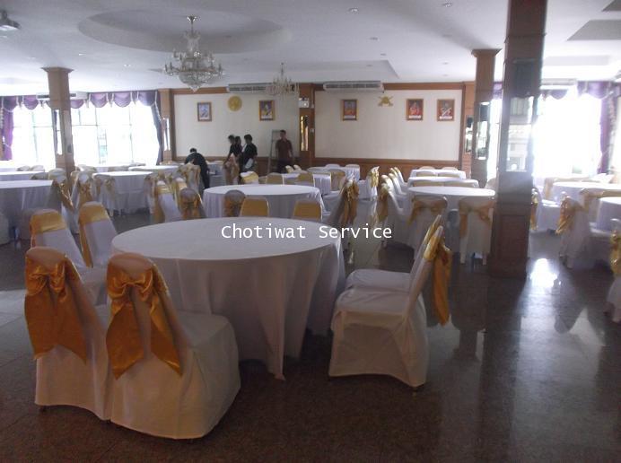 ให้เช่าโต๊ะจีน เช่าโต๊ะจีน แบบ VIP  เก้าอี้เบาะคลุมผ้า โบว์ทอง 8