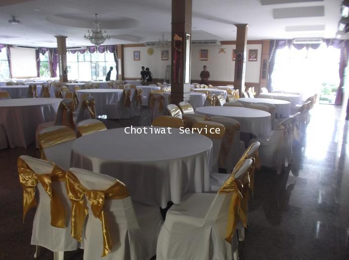 เช่าโต๊ะจีน เก้าอี้พลาสติก คลุมผ้าโบว์ทอง ให้เช่าโต๊ะจีน 1