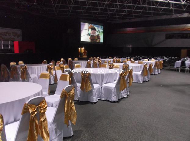 ให้เช่าโต๊ะจีน เช่าโต๊ะจีน แบบ VIP  เก้าอี้เบาะคลุมผ้า โบว์ทอง 9