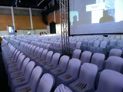 เช่าเก้าอี้ พลาสติกสีขาว คลุมผ้า - ไม่คลุมผ้า ให้เช่าเก้าอี้พลาสติก 6