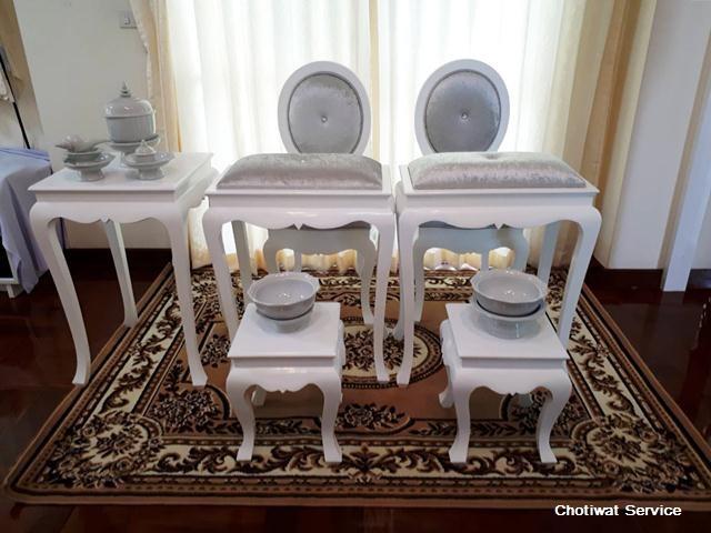 ชุดตั่งรดน้ำสังข์ให้เช่า ให้เช่าตั่งรดน้ำสังข์ สีขาว-เงิน  พร้อมอุปกรณ์
