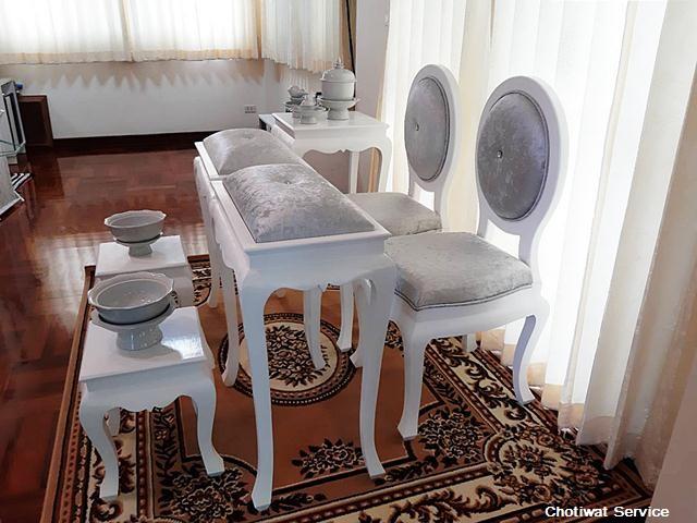 ชุดตั่งรดน้ำสังข์ให้เช่า ให้เช่าตั่งรดน้ำสังข์ สีขาว-เงิน  พร้อมอุปกรณ์ 3