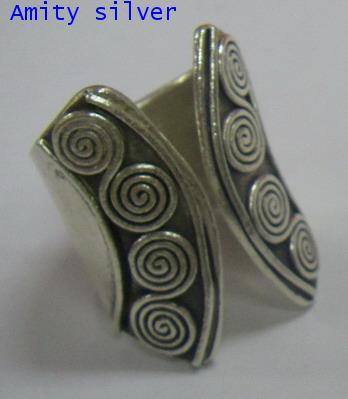 แหวนกะเหรี่ยงลายขดลวดม้วน, R PT-062