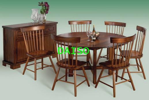 ชุดโต๊ะอาหารฝรั่ง เฟอร์นิเจอร์สไตล์คลาสสิค/DPT-034_โต๊ะอาหารกลม