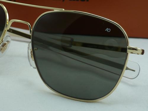 แว่นกันแดด AO Original Pilot /Gold Frame /Size 52 mm. 1