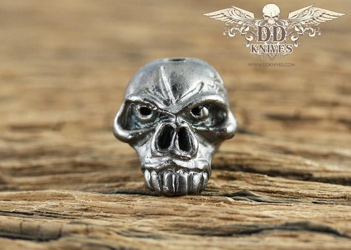 หัวกระโหลกสำหรับแต่ง Lanyard Schmuckatelli JUMBO Emerson Skull Bead, Plated Hematite Matte (EJHM)
