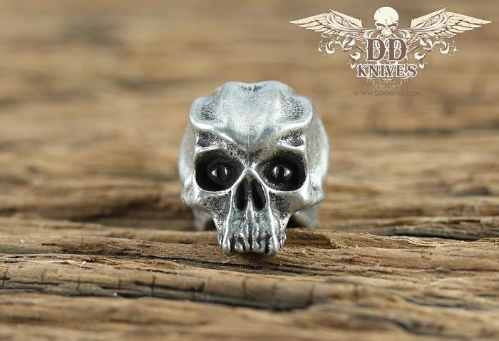 หัวกระโหลกสำหรับแต่ง Lanyard Schmuckatelli Cyber Skull Bead, Pewter (CYP)