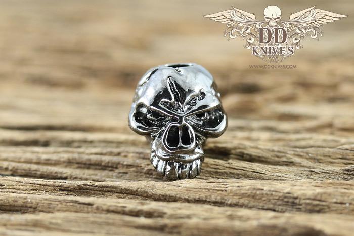 หัวกระโหลกสำหรับแต่ง Lanyard Schmuckatelli Emerson Skull Bead, Hematite Plated (EH)