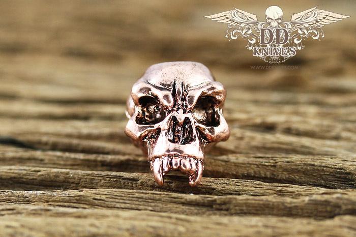 หัวกระโหลกสำหรับแต่ง Lanyard Schmuckatelli Fang Skull Bead, Antique Copper Plated (FAC)