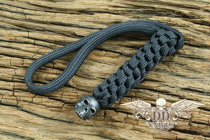 Lanyard สำหรับห้อยมีด Schmuckatelli Black Oxidized Pewter Classic Skull Lanyard, Black (CBLBB)