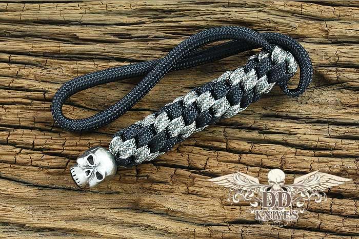 Lanyard สำหรับห้อยมีด Schmuckatelli Pewter Classic Skull Lanyard, Black/Camo (CBLBDCP)