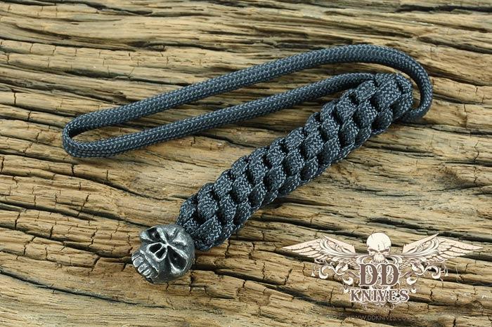 Lanyard สำหรับห้อยมีด Schmuckatelli Black Oxidized Pewter Emerson Skull Lanyard, Black (EBLBB)