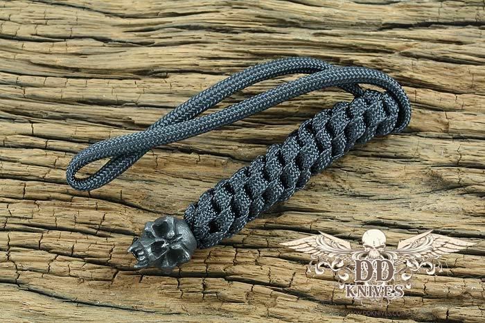 Lanyard สำหรับห้อยมีด Schmuckatelli Black Oxidized Pewter Fang Skull Lanyard, Black (FBLBB)