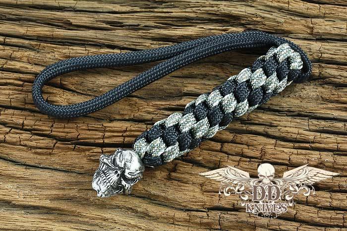 Lanyard สำหรับห้อยมีด Schmuckatelli Pewter Grins Skull Lanyard, Black/Camo (GBLBDCP)