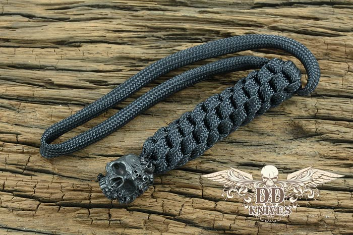 Lanyard สำหรับห้อยมีด Schmuckatelli Black Oxidized Pewter Mind Skull Lanyard, Black (MBLBB)