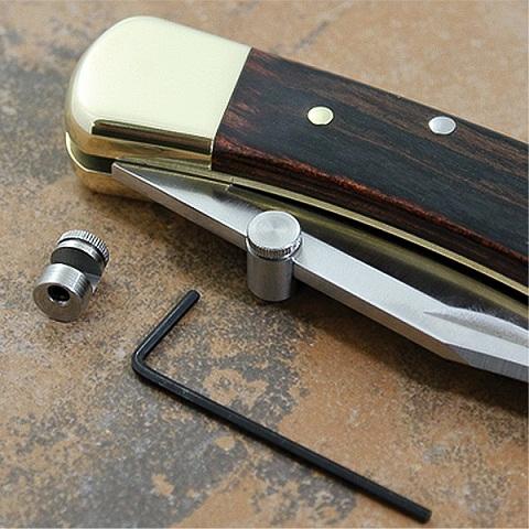 อุปกรณ์ช่วยเปิดใบมีด Kwik Thumb Stud Stainless
